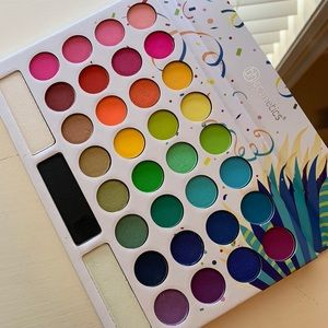BH Cosmetics Take Me Back To Brazil palette